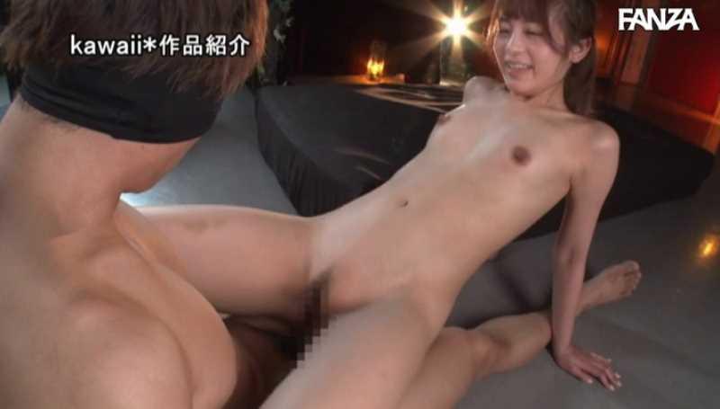 精液垂れ流しの騎乗位セックス画像 27