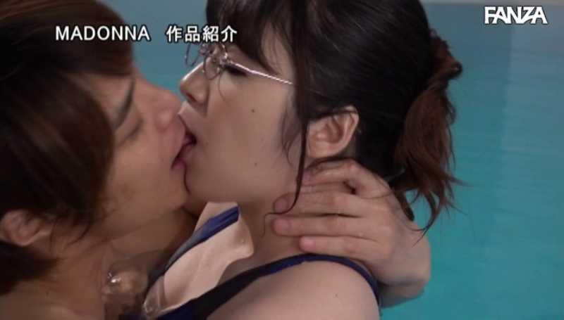 水泳教室の不貞妻セックス画像 37