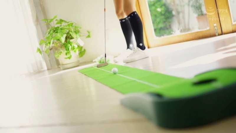 ゴルフのレッスンプロ 財前カレン エロ画像 13