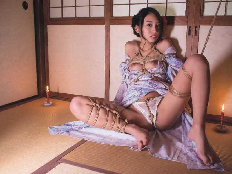 着物や浴衣の緊縛エロ画像 4
