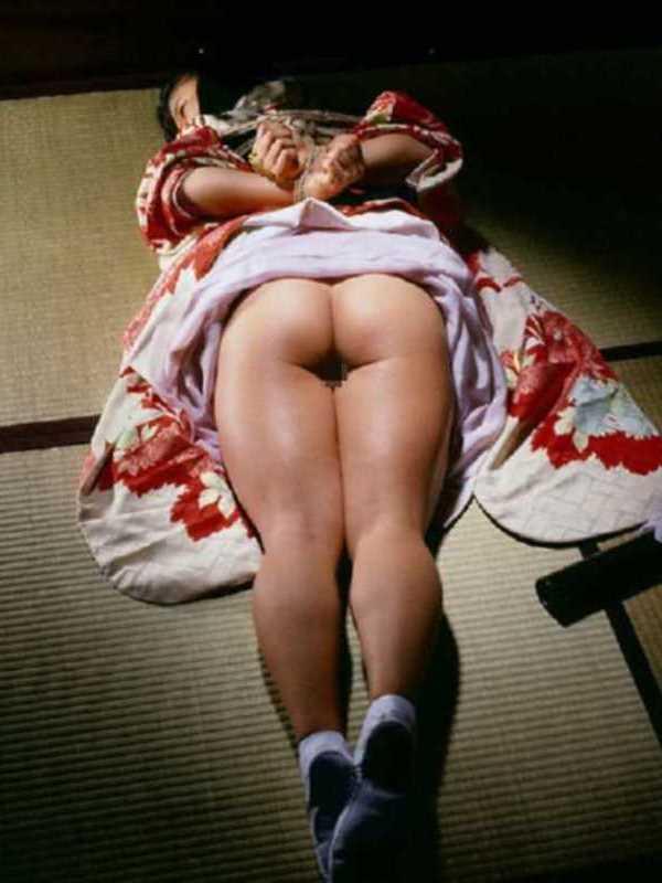 着物や浴衣の緊縛エロ画像 18