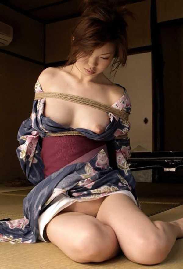 着物や浴衣の緊縛エロ画像 26