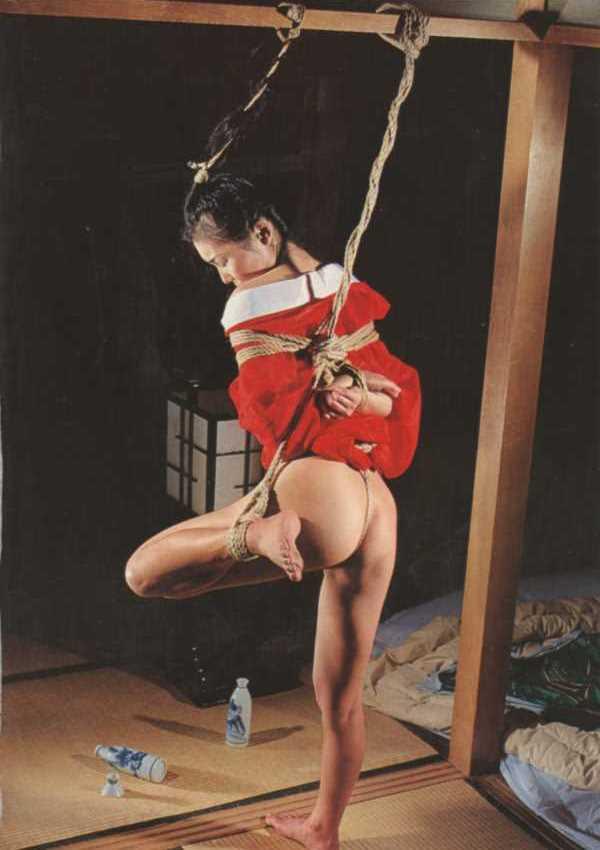 着物や浴衣の緊縛エロ画像 38