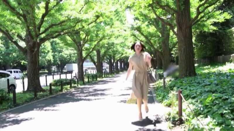 スレンダー美人妻 平井栞奈 エロ画像 17