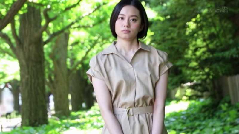 スレンダー美人妻 平井栞奈 エロ画像 20