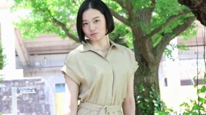 スレンダー美人妻 平井栞奈 エロ画像 22
