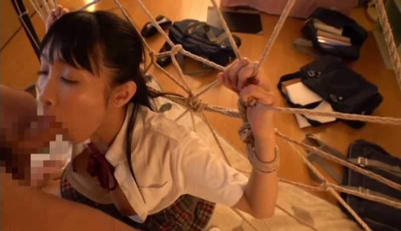 女子高生の緊縛レイプ画像 32