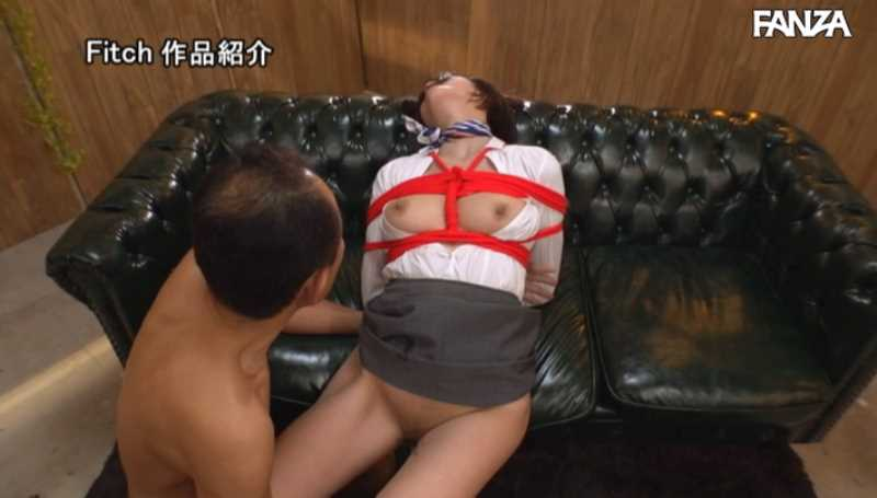 客室乗務員 長谷川りさ エロ画像 47