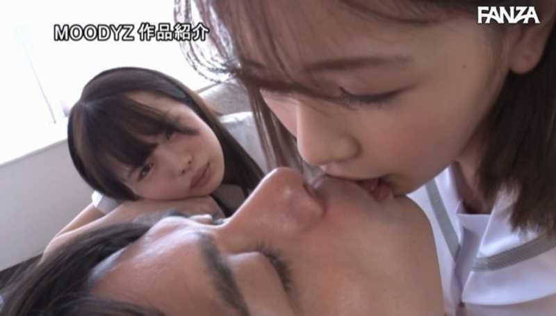 女子生徒2人の3Pセックス画像 19