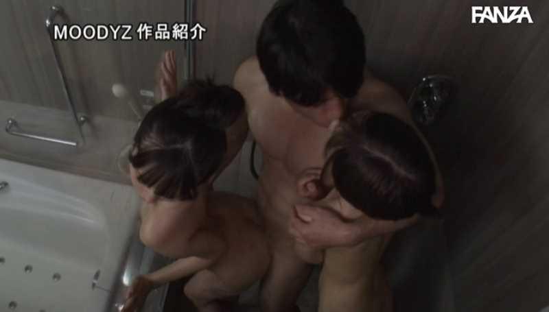 女子生徒2人の3Pセックス画像 30