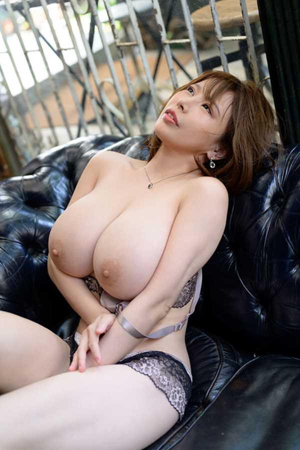 爆乳の人妻 叶愛 セックス画像 10