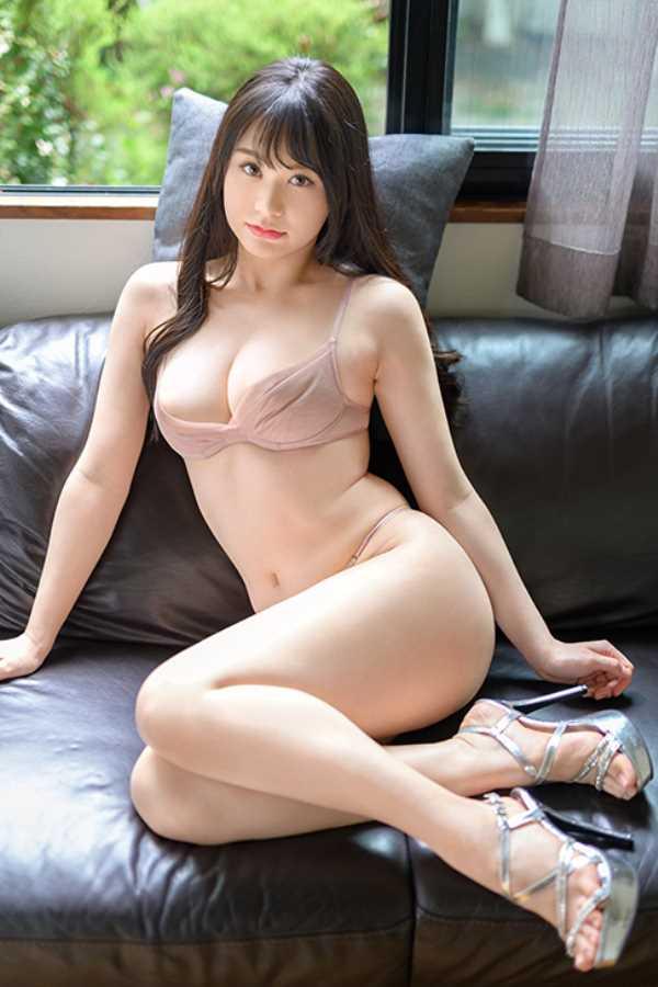 Hカップ美少女 唯月優花 エロ画像 4