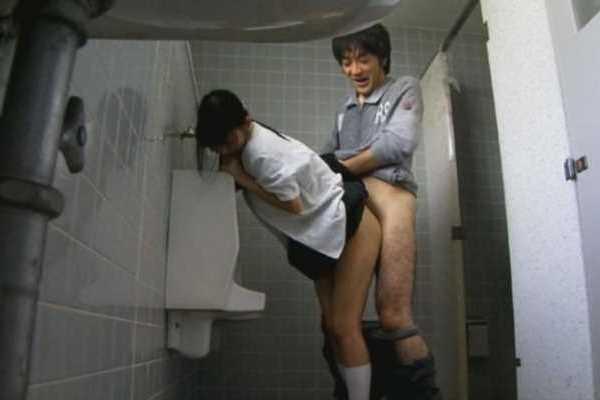 公衆トイレ レイプ 盗撮 エロ画像 2