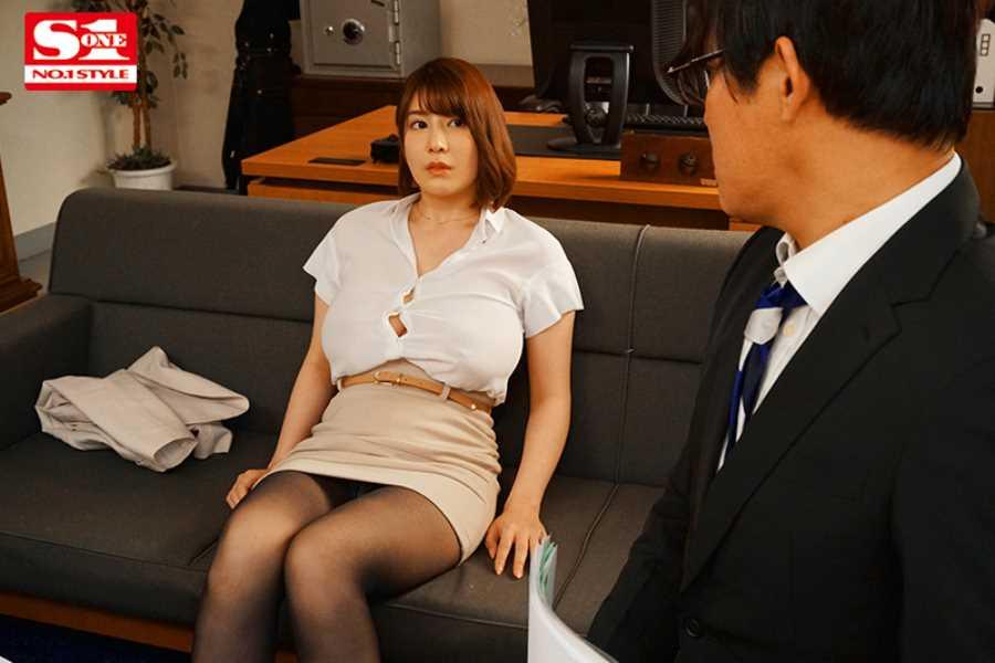 ノーブラおっぱいの着衣セックス画像 6