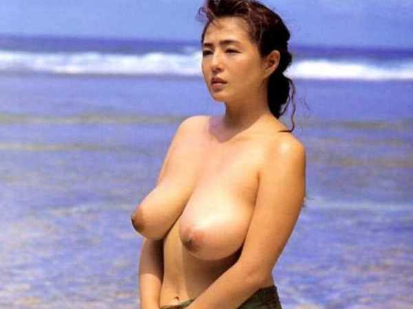 衝撃的 駒木なおみ ロケットおっぱい エロ画像 1