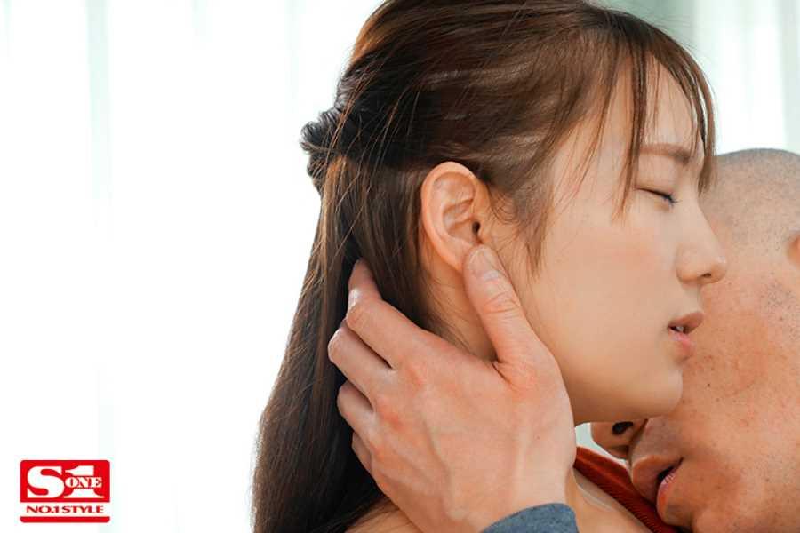 童顔巨乳 はやのうた エロ画像 15