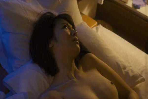 瀧内公美 ヌード 濡れ場 フェラ エロ画像 2