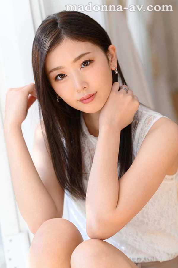 小顔美人妻 小松杏 エロ画像 4