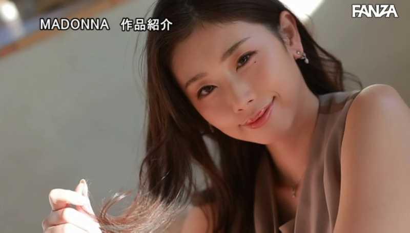 小顔美人妻 小松杏 エロ画像 20