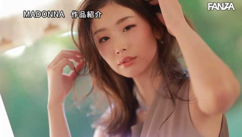 小顔美人妻 小松杏 エロ画像 31