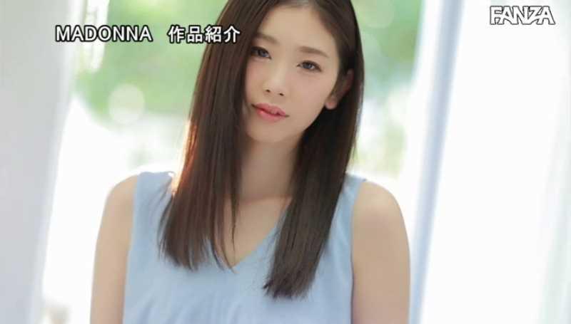小顔美人妻 小松杏 エロ画像 32