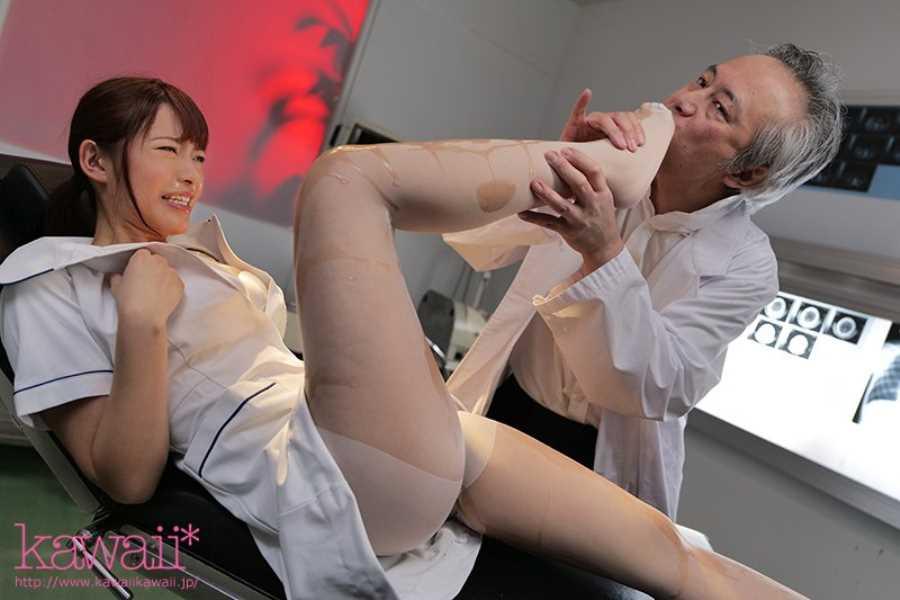 かわいい看護師の院内セックス画像 3