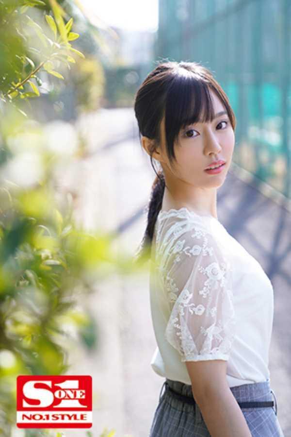 小顔美人 広瀬蓮 エロ画像 5
