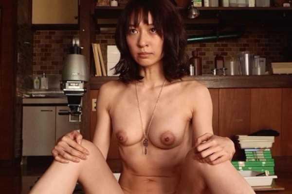 小池徹平の嫁・永夏子ヘアヌードのエロ画像 1