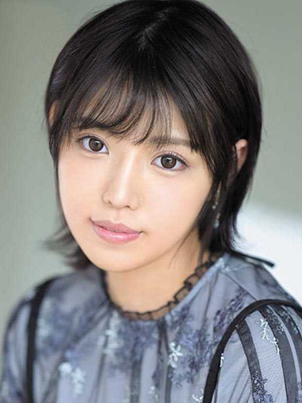 アイドル 依田まの エロ画像 1