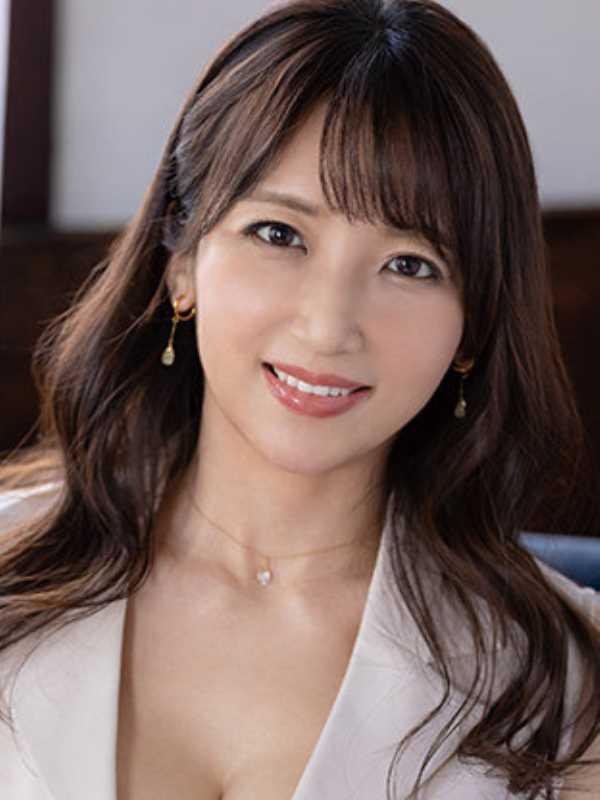 元CAの美人奥様 坂井希 エロ画像 1