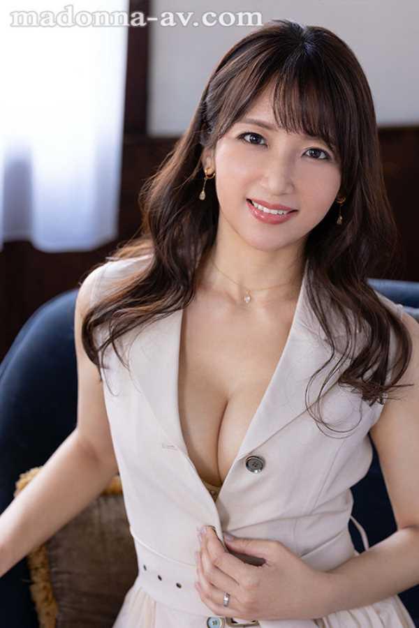 元CAの美人奥様 坂井希 エロ画像 2