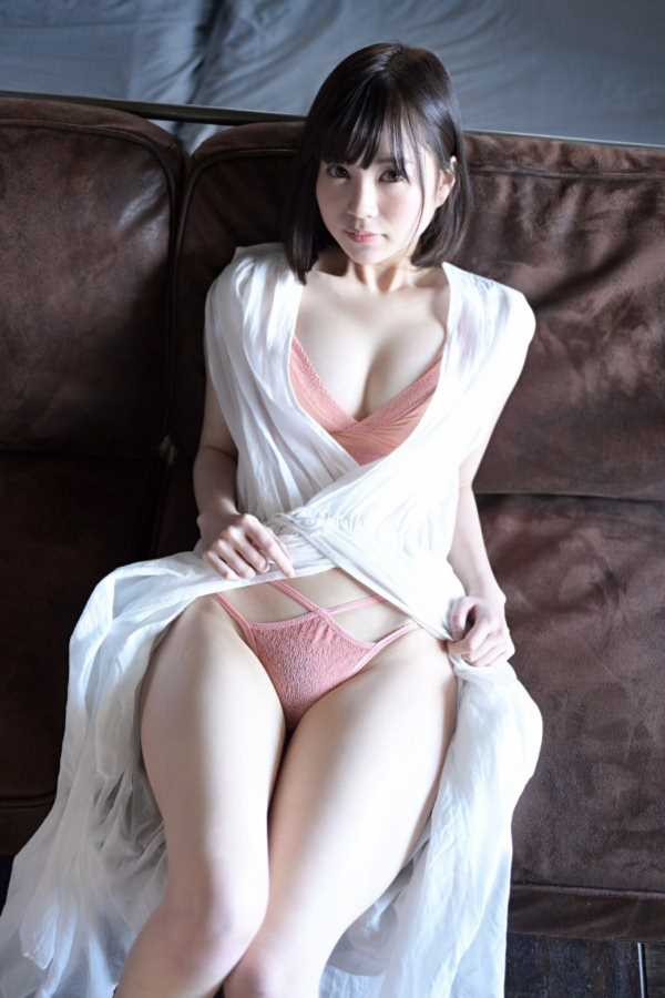 美巨乳グラドル 天宮花南 エロ画像 1
