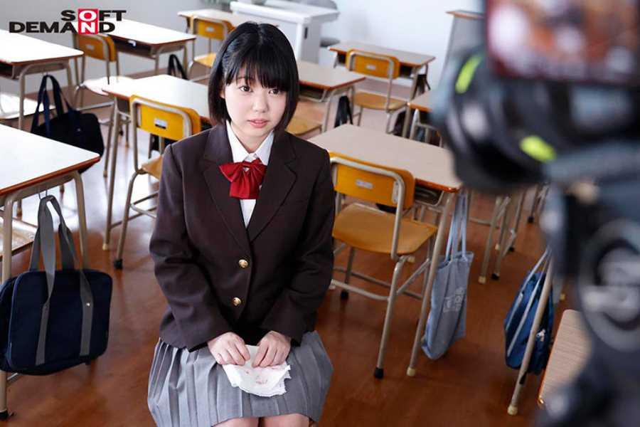 18歳 桃乃りん エロ画像 12