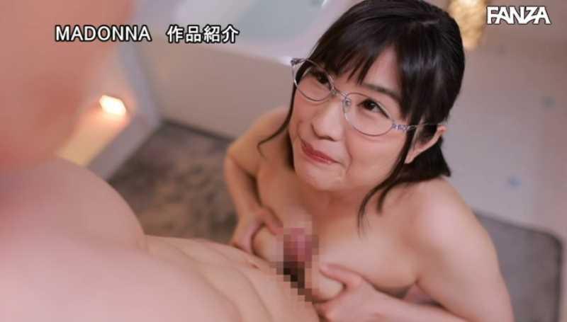 むっつり人妻 松岡なつ美 エロ画像 38