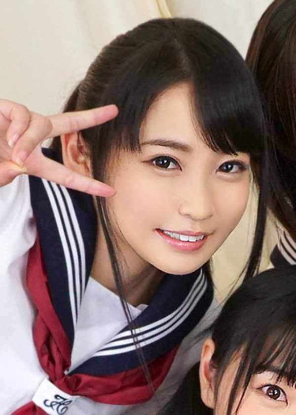 純真無垢な制服JKエロ画像 1