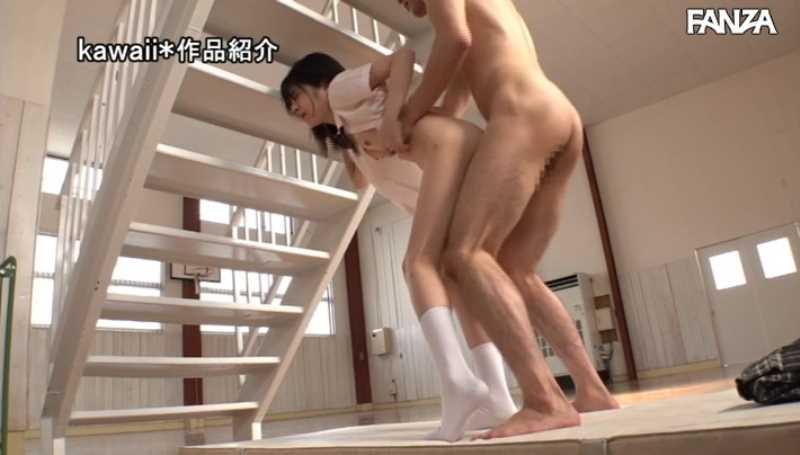 純真無垢な制服JKエロ画像 38