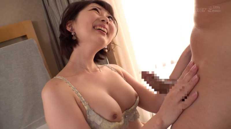 肉食系美女 香椎佳穂 エロ画像 35