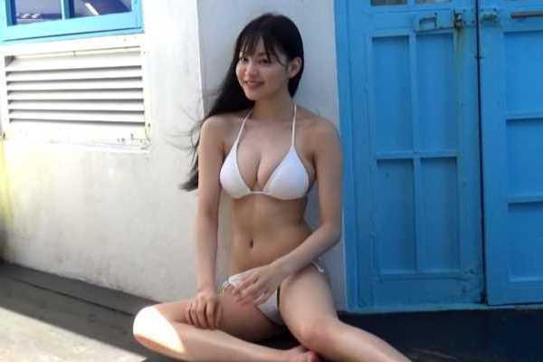吉澤遥奈エロ画像 1