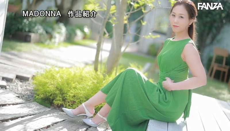 高身長熟女 青山れな エロ画像 20
