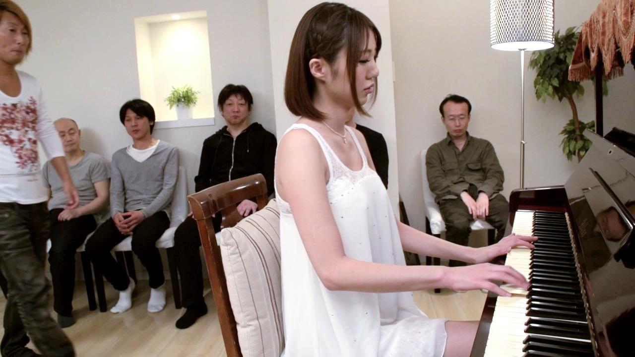 綾瀬なるみ エロ画像 94