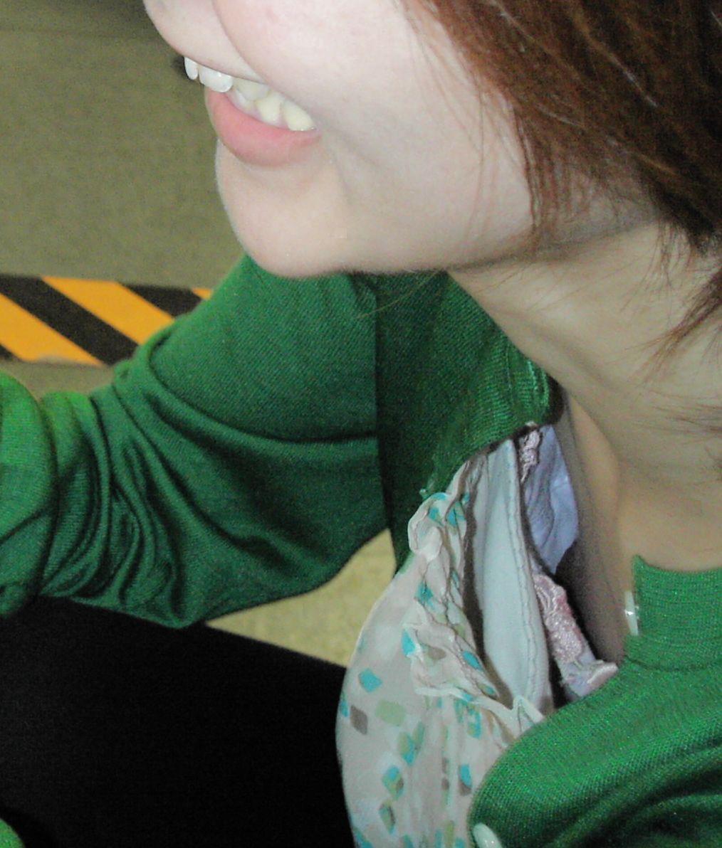 胸チラ 画像 8