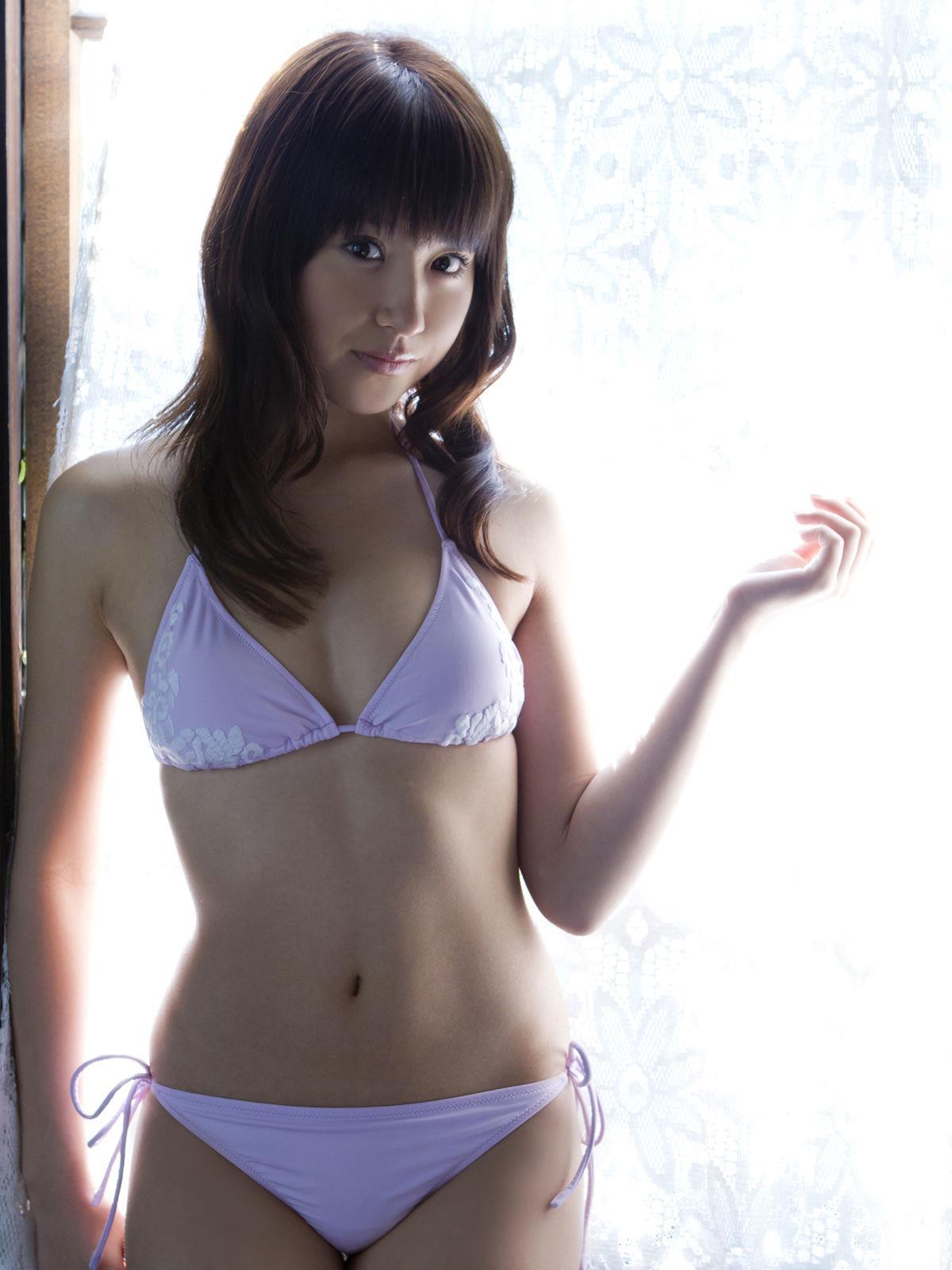 衛藤美彩 過激水着のグラビア画像 53