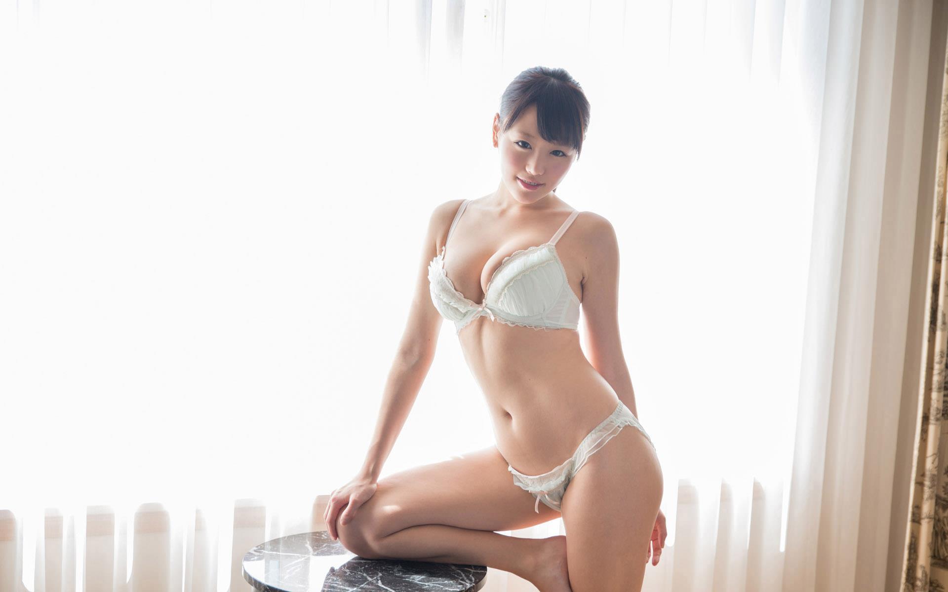 浜崎真緒 パイズリ画像 17