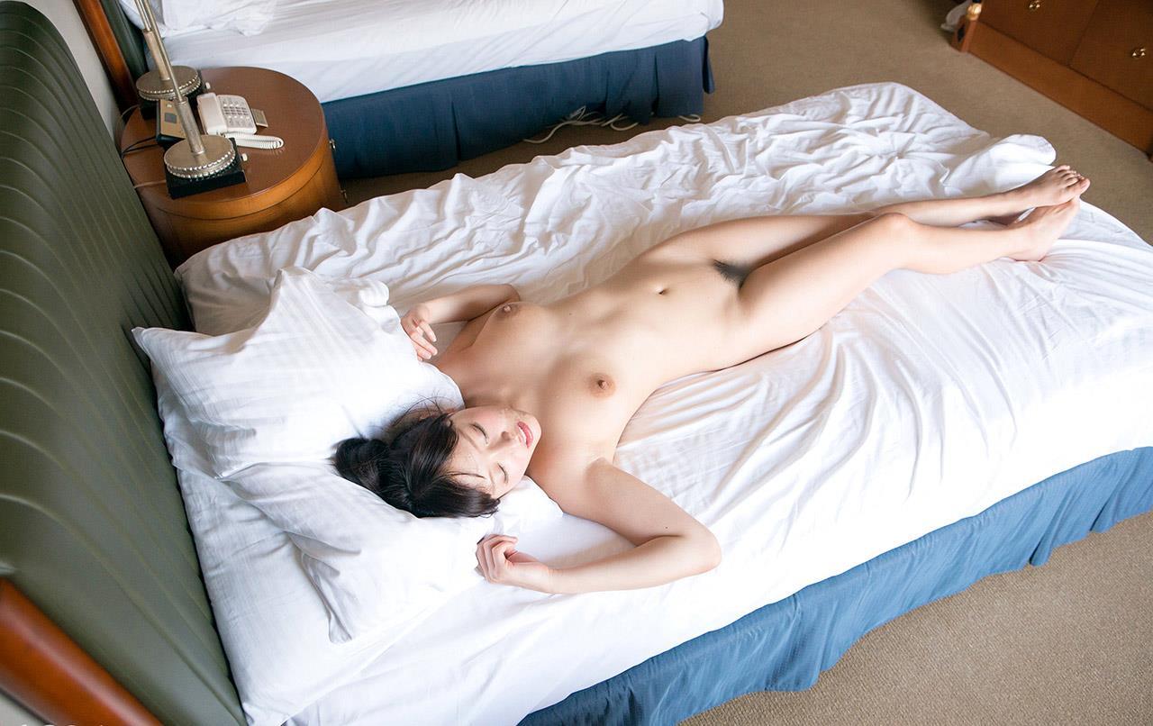 浜崎真緒 セックス画像 72