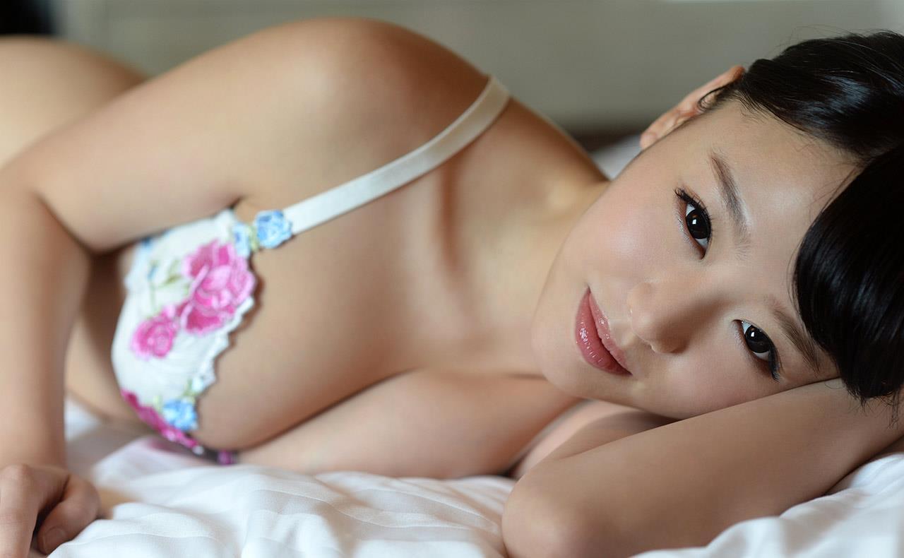 浜崎真緒 エロ画像 36
