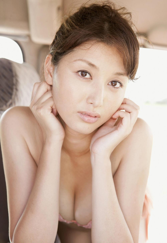 橋本マナミ 過激グラビア画像 10