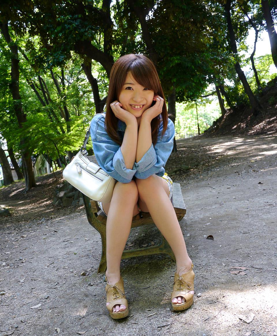 初美沙希 エロ画像 15