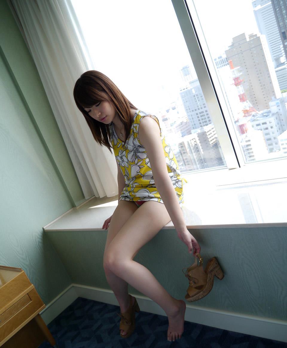 初美沙希 エロ画像 34