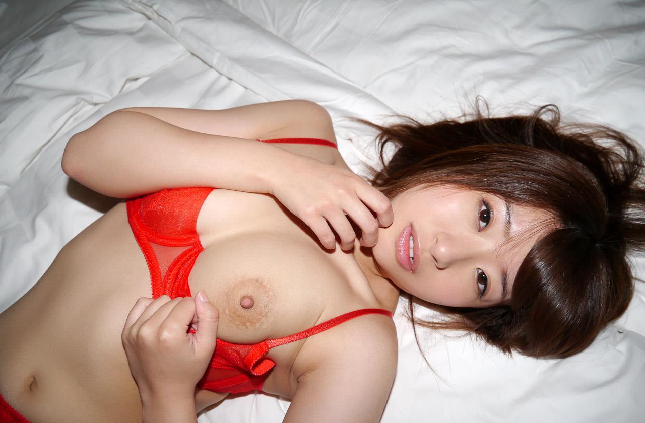 初美沙希 エロ画像 123