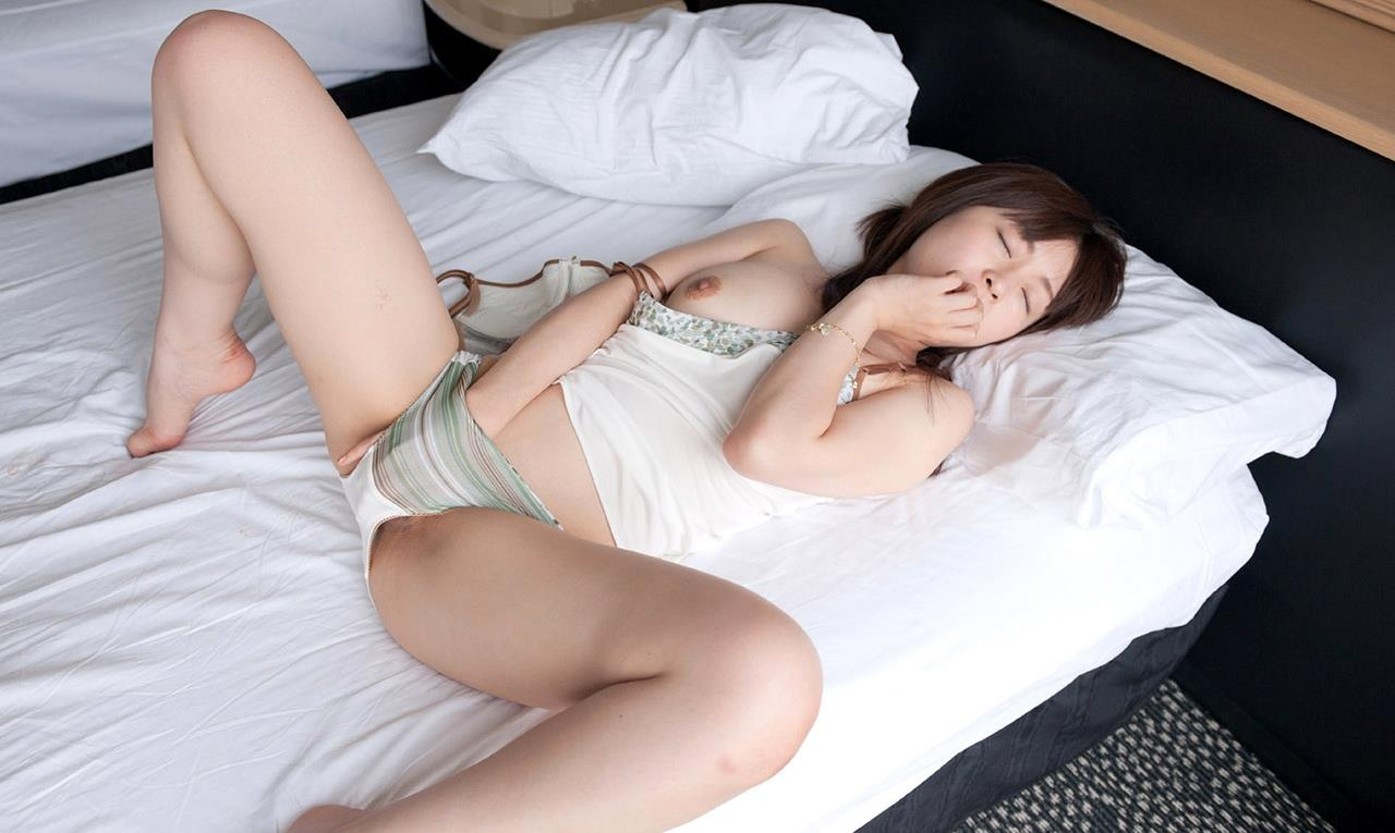 元看護師がパイズリやフェラで癒す羽月希セックス画像